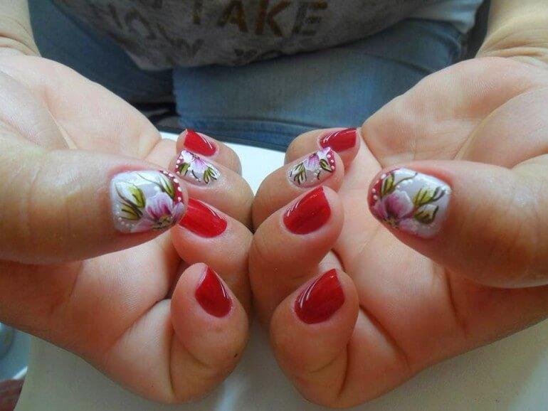 Aprenda a fazer unhas decorativas com flores em passo a for Decor unhas