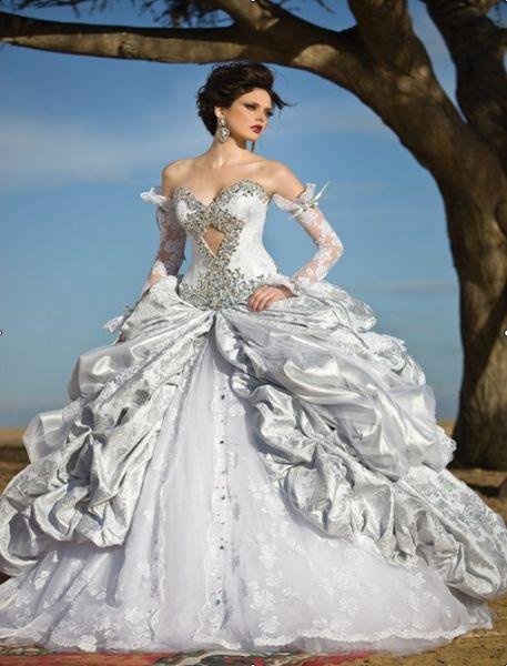Confira Belos Vestidos de Noivas Estilo Princesa