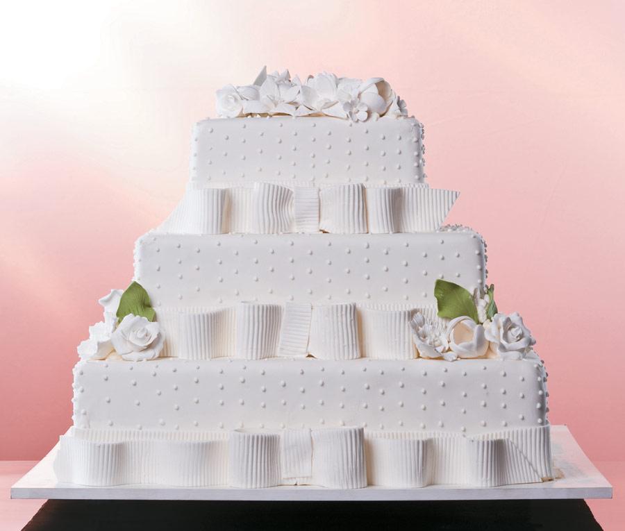 bolos quadrados para casamento com pasta americana 2