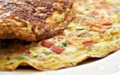 Aprenda Fazer 3 Deliciosas Receitas de Omelete Fáceis e Nutritivas