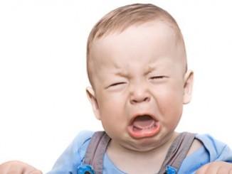 como fazer o bebê parar de chorar