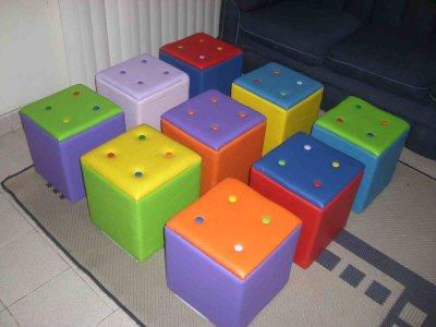puff-colorido-para-o-quarto